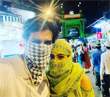 शिमला की गलियों में सोनू के साथ मुंह छुपाए घूमती नजर आईं सारा अली खान