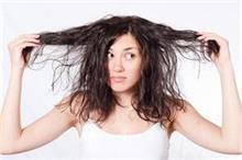 मानसून में होती हैं ये 6 Hair Problems, देसी नुस्खों से...