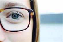 चश्मा उतारने का पक्का फार्मूला, लंबी उम्र तक आंखे रहेंगी...