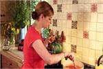 Kitchen Tips: इन 5 चीजों को दोबारा गर्म करना पड़ सकता है सेहत पर भारी