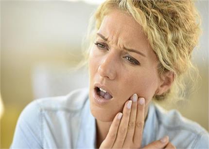 दांत के जिद्दी दर्द से मिनटों में राहत दिलाएंगे ये घरेलू नुस्खे