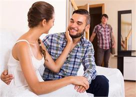 बीवियां क्यों हो जाती हैं धोखेबाज? 7 वजह कर देगी हैरान