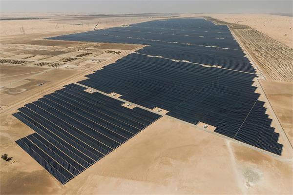 UAE में शुरू हुआ दुनिया का सबसे बड़ा सोलर पावर प्रोजैक्ट