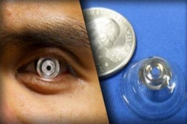 पलक झपकते ही यह contact lens कर देता है ऐसा कमाल