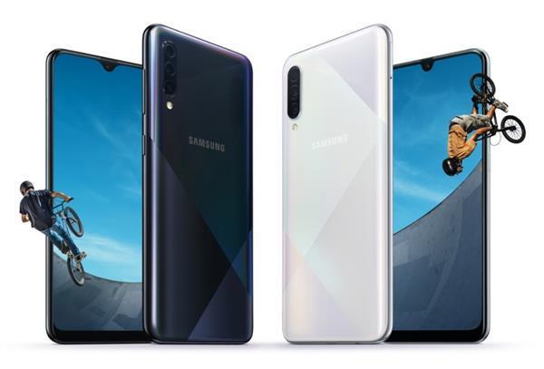 4,000 mAh की दमदार बैटरी के साथ सैमसंग ने पेश किए दो नए स्मार्टफोन्स