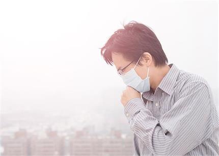 वायु प्रदूषण से बढ़ा 28 की उम्र में Lung Cancer का खतरा, यूं करें बचाव
