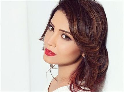 मेकअप नहीं, Adaa Khan की ग्लोइंग स्किन का राज है ये 2 देसी चीजें