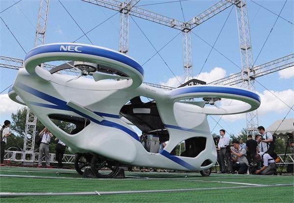 जापानी कम्पनी ने दिखाई उड़ने वाली कार की झलक