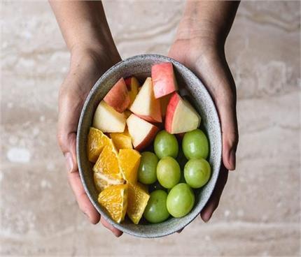 कटे हुए फलों को लंबे समय तक रखना है फ्रेश तो अपनाएं ये 5 टिप्स