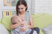 Breastfeeding से जुड़े मिथक, जिन्हें ना चाहते हुए भी मानती...
