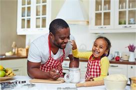 कहीं आपकी किचन में भी तो नहीं मिलावटी चीजें, जानिए जांच के...