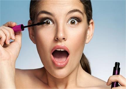 Beauty Alert: स्किन को डैमेज कर देती हैं मेकअप की ये 5 गलतियां