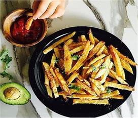 घर पर बनाकर खाएं Parmesan French Fries