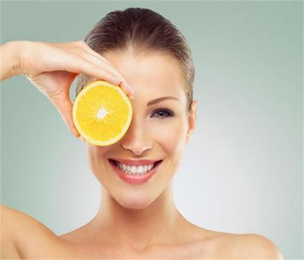 विटामिन-C आपकी त्वचा के लिए क्यों है फायदेमंद ?