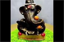 Ganesh Chaturthi: इस बार घर में लाएं चॉकलेट से बने...
