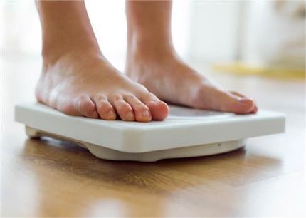 तेजी से घटाना चाहती हैं वजन तो जरुर फॉलो करे ये डेली डाइट प्लान