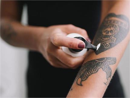 टैटू रिमूव करवाने की सोच रहे हैं तो पहले जान लें ये 7 जरूरी बातें