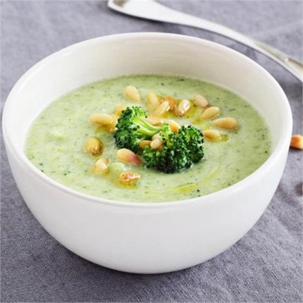 बारिश में एंजॉय करें हेल्दी एंड टेस्टी Broccoli Potato Soup