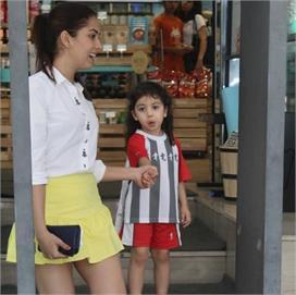 जब मीरा ने पहनी बेटी मीशा की मिनी स्कर्ट !