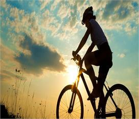 साइकिलिंग के ढेरों फायदे, उम्र के हिसाब से जानें इस...