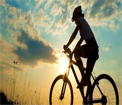 साइकिलिंग के ढेरों फायदे, उम्र के हिसाब से जानें इस एक्सरसाइज का सही...