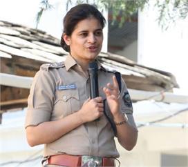 युवा आईपीएस शालिनी अग्निहोत्री जिनके नाम से अपराधी भी है...