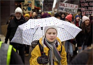 जलवायु परिवर्तन खिलाफ 16 साल की लड़की...
