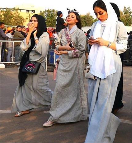 बेफ्रिक होकर घूमने जाएं साऊदी अरब, अब टूरिस्ट वुमन के लिए नहीं है...