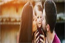 Parents Alert ! बच्चे को चूमने से फैलता है यह वायरस, यूं...