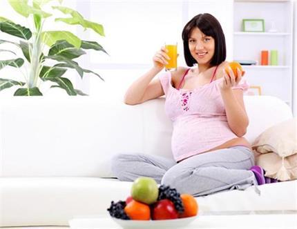 नवरात्रि व्रत में गर्भवती महिलाएं यूं रखें अपने ख्याल, नहीं होंगी...