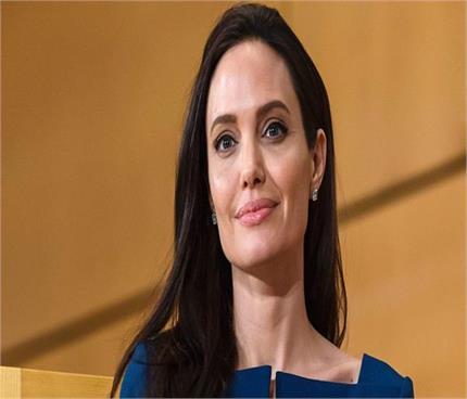 दुनिया की इस सबसे खूबसूरत अभिनेत्री का ब्यूटी सीक्रेट है थोड़ा हटके !