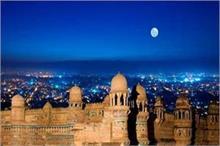 चांद की रोशनी में और भी सुंदर दिखती हैं भारत की ये 4 जगहें