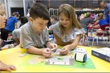 क्युबो रोबोट से अब बच्चे खेल-खेल में सीखेंगे मैथ्स व इंग्लिश