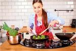 लोहे के बर्तनों में पकाकर खाएं खाना, Anemia की समस्या होगी दूर