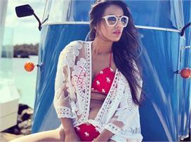 Fashion: निया शर्मा की बोल्ड ड्रेसेज, देखते ही रह जाएंगे सब