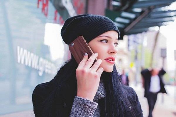 इन स्मार्टफोन्स से निकल रही सबसे ज्यादा रेडिएशन, यूजर्स की सेहत पर पड़ रहा बुरा असर