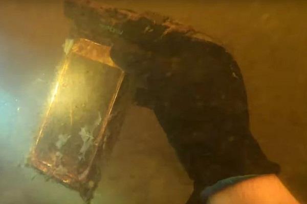 नदी में खोया था iPhone , डेढ़ साल बाद मिलने पर भी कर रहा है काम