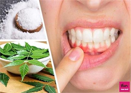 दांतों से खून निकलने की समस्या हल्के में ना लें, बचाव जानिए