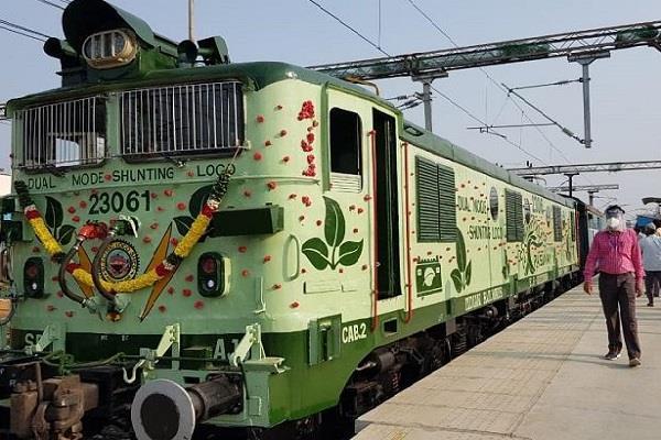 दक्षिण रेलवे ने बैटरी से चलने वाले पहले रेल इंजन का किया परीक्षण