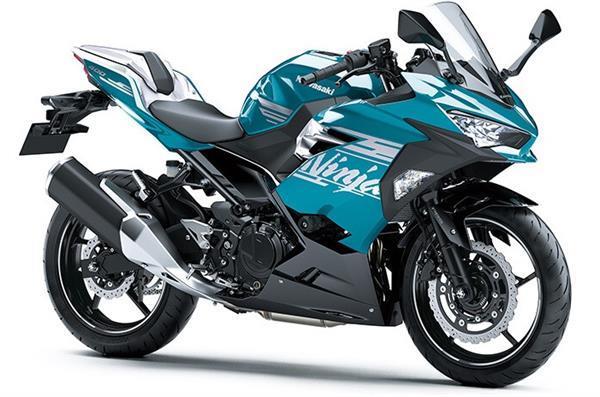Kawasaki जल्द लॉन्च करने वाली है 2021 मॉडल Ninja 400, सामने आई तस्वीरें