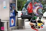 बाइक या स्कूटी पर बैठे-बैठे पैट्रोल भरवाने वाले हो जाए...