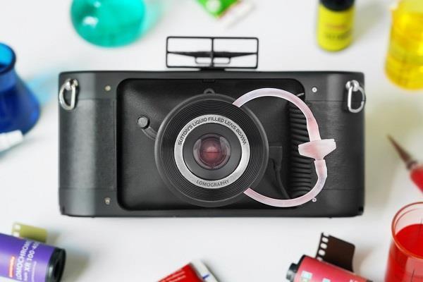 यह है दुनिया का पहला लिक्विड फिल्ड लेंस वाला खास कैमरा, तस्वीरों में देता है स्पैशल इफैक्ट्स