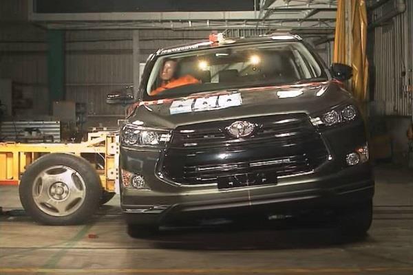 क्रैश टैस्ट में टोयोटा इनोवा क्रिस्टा 2020 मॉडल को मिली 5 स्टार सेफ्टी रेटिंग, देखें वीडियो