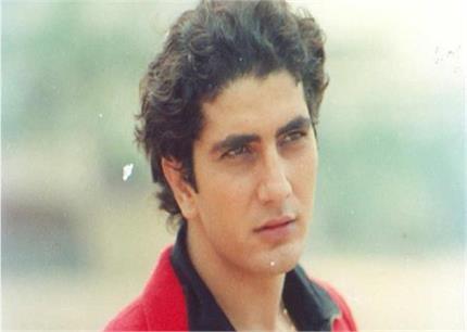 रानी मुखर्जी के को-स्टार रहे फराज खान ICU में भर्ती, परिवार ने लगाई...