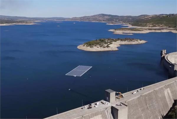 अब बिजली की मांग को किया जा सकता है पूरा, डैम के पानी में यूज़ करने होंगे फ्लोटिंग सोलर पैनल्स