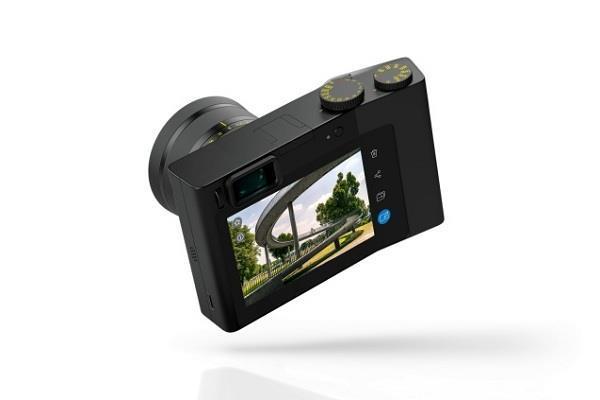 Zeiss ला रही अपना फुल फ्रेम कॉम्पैक्ट कैमरा, 37.4MP लैंस से है लैस, एडोब लाइटरूम की भी मिली सुविधा