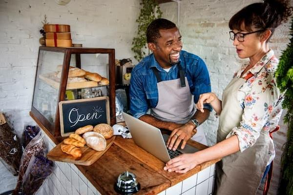 छोटे कारोबारियों की उन्नति के लिए गूगल ने लॉन्च किया 'Make Small Strong' अभियान