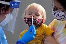 राहत की बात: बच्चे को कोरोना का खतरा कम, आसानी से नहीं बना...