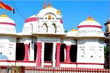 इस मंदिर में रंग बदलती है मां लक्ष्मी की प्रतिमा, दर्शन...