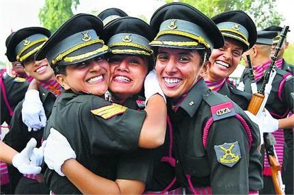 ऐतिहासिक पल: भारतीय सेना में महिलाओं को बराबर अधिकार, 422 अफसरों को...